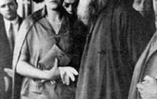 বিশ্বকবি রবীন্দ্রনাথকে নিয়ে কিছু মিথ্যাচার ও তার জবাব